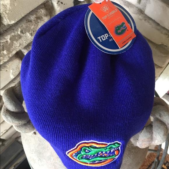 cheaper f81b7 fce4d Gator beanie hat. NWT. Top of the World